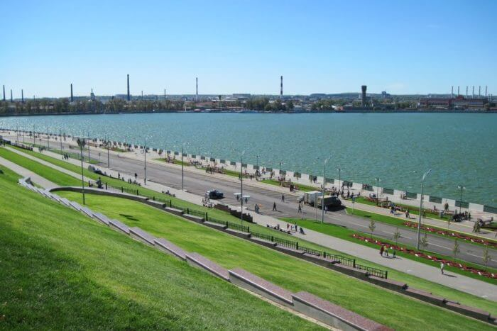 naberezhnaya-izhevskogo-pruda-700x467