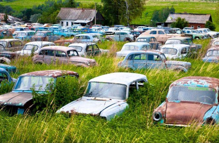 avtomobilnyy-muzey-krasintsa-700x459