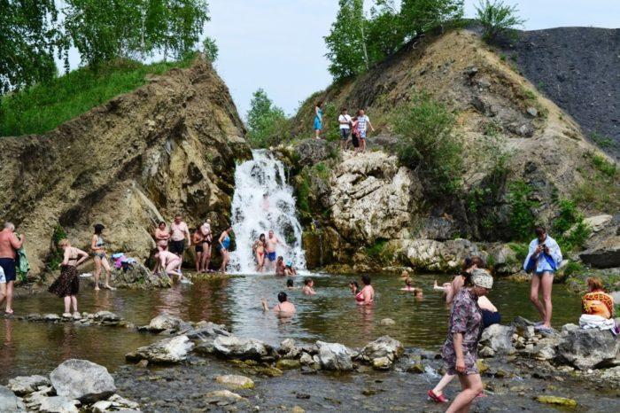 belovskiy-vodopad-700x466