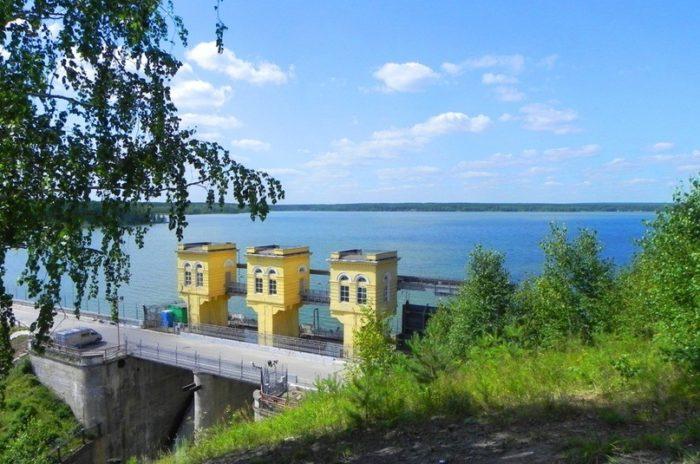 beloyarskoe-vodohranilishche-700x464