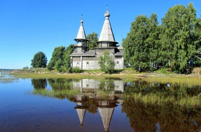 bogoyavlenskaya-tserkov-v-sele-chelmuzhi-700x462