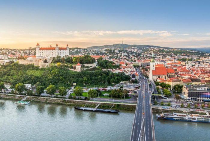 bratislava-1-700x470