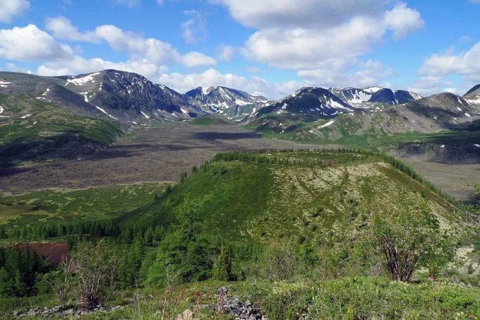 dolina-potukhshikh-vulkanov-700x467