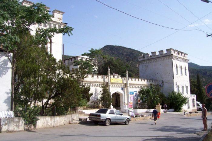 dvorets-golitsyna-v-novom-svete-700x467