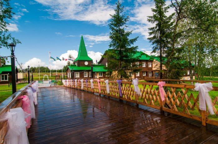 finno-ugorskiy-etnokulturnyy-park-700x465