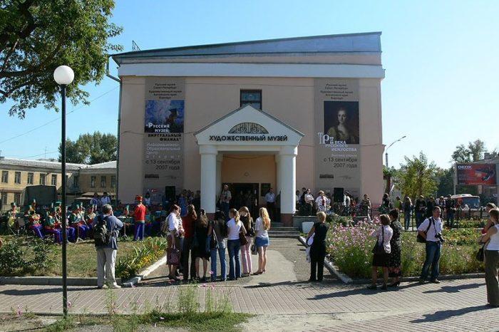 gosudarstvennyy-khudozhestvennyy-muzey-altayskogo-kraya-700x466