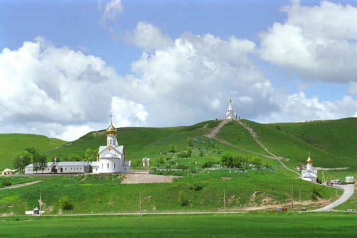 holkovskij-monastyr-700x466