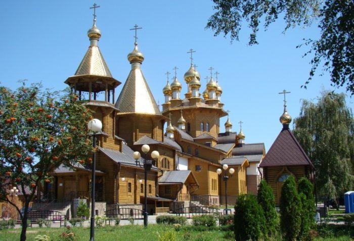 hram-svyatyh-muchenic-very-nadezhdy-lyubovi-i-materi-ih-sofii-700x478