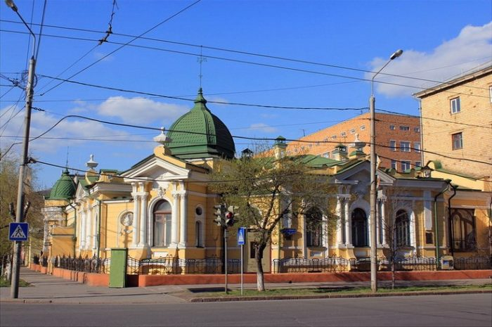 khudozhestvennyy-muzey-imeni-surikova-700x465