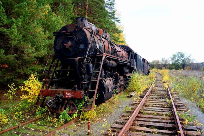 kladbishche-parovozov-700x466