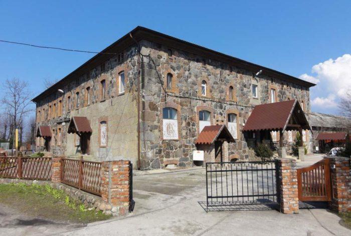 muzejno-vystavochnyj-kompleks-yantarnyj-zamok-700x472