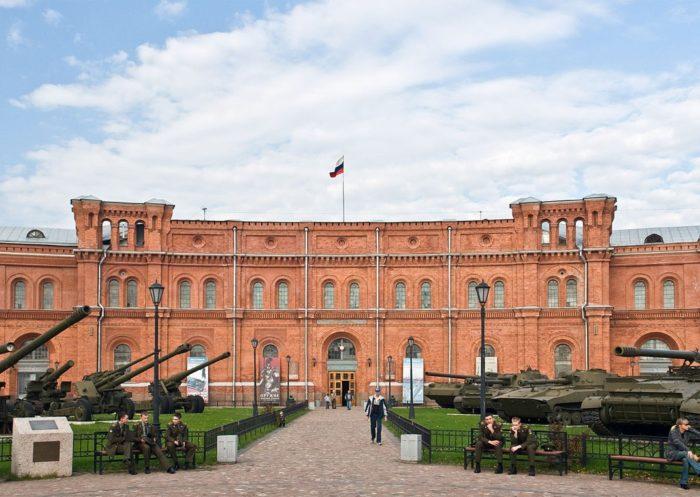 muzey-artillerii-inzhenernykh-voysk-i-voysk-svyazi-700x497