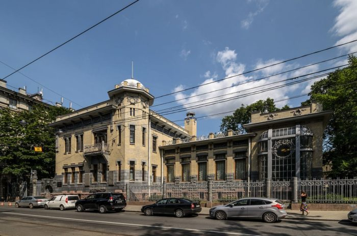 muzey-politicheskoy-istorii-rossii-700x464