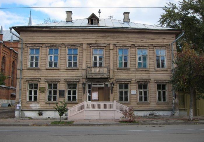 muzey-usadba-alekseya-tolstogo-700x489