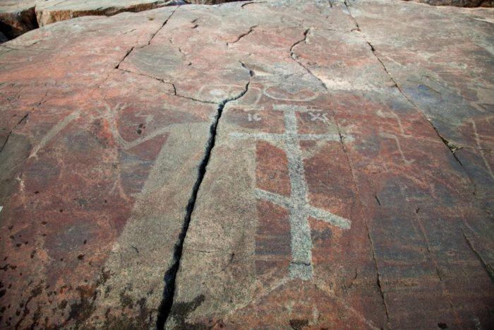 onezhskie-petroglify-700x467