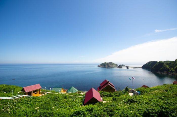 ostrov-moneron-700x464