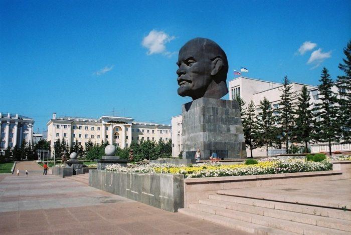 pamyatnik-leninu-v-ulan-ude-700x469