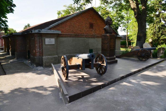 porokhovoy-pogreb-v-azove-700x468