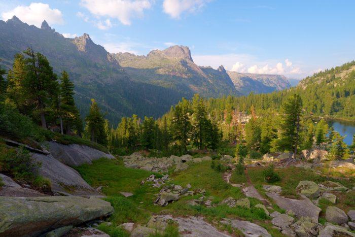 prirodnyy-park-ergaki-700x467