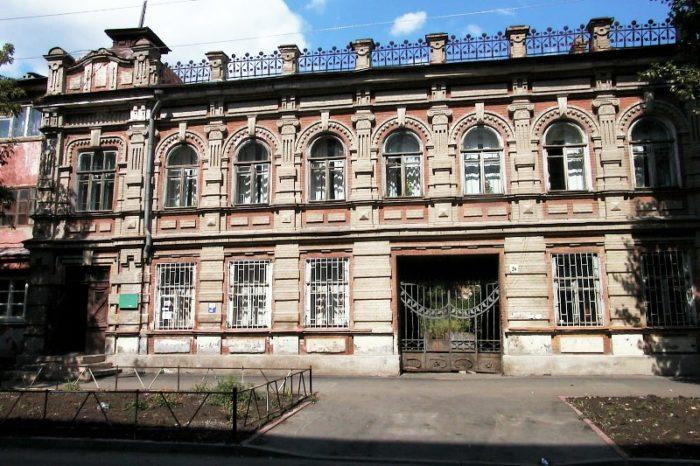 saratovskiy-etnograficheskiy-muzey-700x466