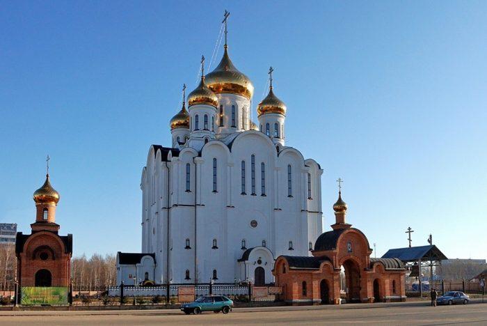 svyato-stefanovskiy-kafedralnyy-sobor-700x468