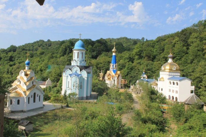 troice-georgievskij-zhenskij-monastyr-700x467