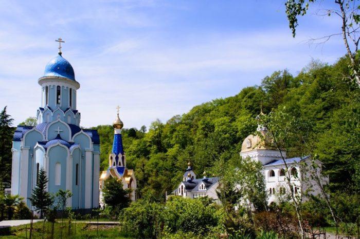 troitse-georgievskiy-zhenskiy-monastyr-700x466