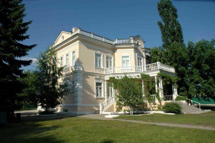 usadba-muzey-sholokhova-v-stanitse-veshenskoy-700x466