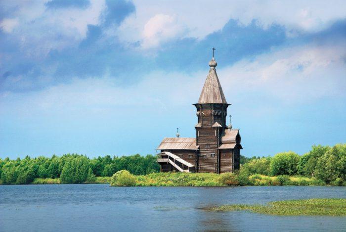 uspenskaya-tserkov-v-kondopoge-700x469