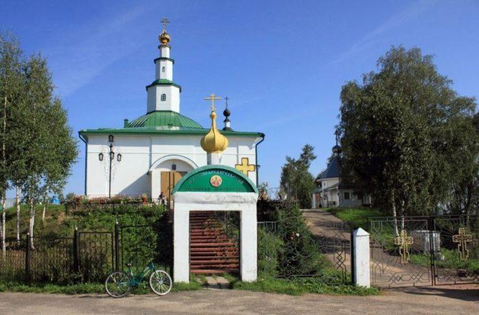 ust-vymskiy-mikhailo-arkhangelskiy-monastyr-700x460
