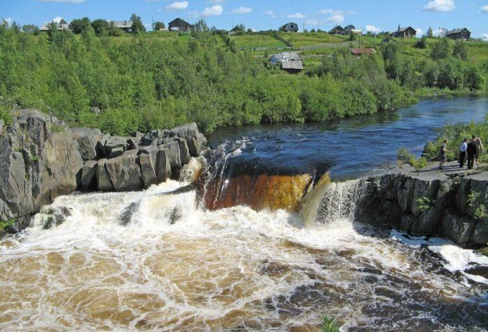 vodopad-voitskiy-padun-700x477