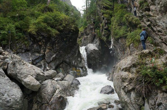 vodopady-na-reke-kyngarga-700x463