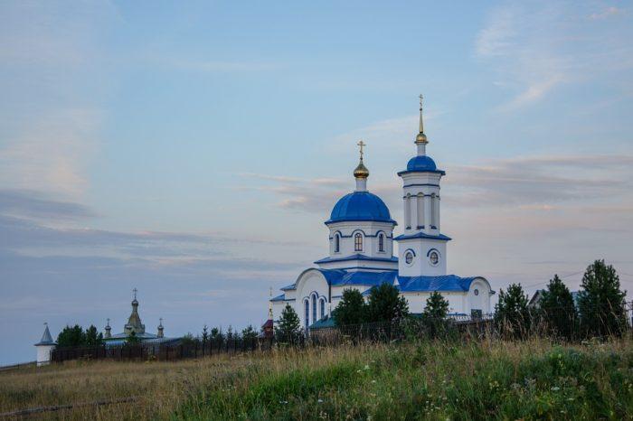 ybskiy-serafimovskiy-zhenskiy-monastyr-700x466