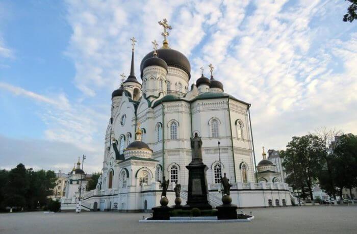 blagoveshchenskij-sobor-700x459
