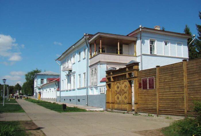dom-muzej-ivana-shishkina-700x475