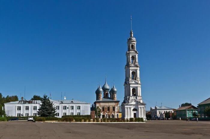 kolokolnya-georgiya-pobedonosca-v-yurevce-700x464