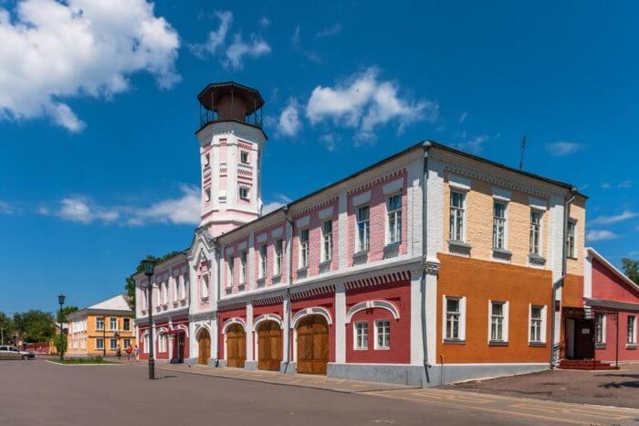 ostrogozhskij-istoriko-hudozhestvennyj-muzej-kramskogo-700x466