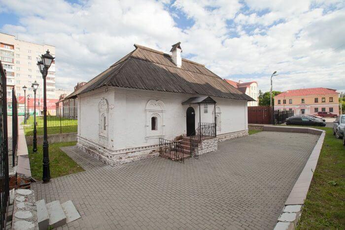 shchudrovskaya-palatka-700x467