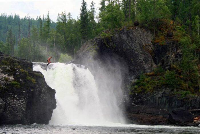 vodopad-na-reke-urik-700x467