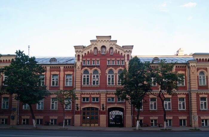 voronezhskij-oblastnoj-kraevedcheskij-muzej-700x460