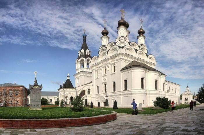 blagoveshchenskij-monastyr-1-700x465