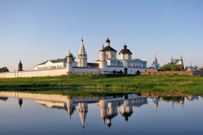 bobrenev-monastyr-700x467