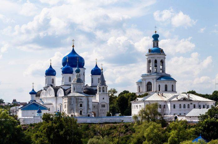 bogolyubskij-monastyr-700x464