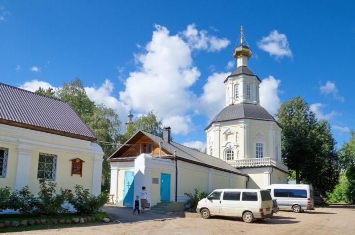 bogorodickij-zhitennyj-monastyr-700x464