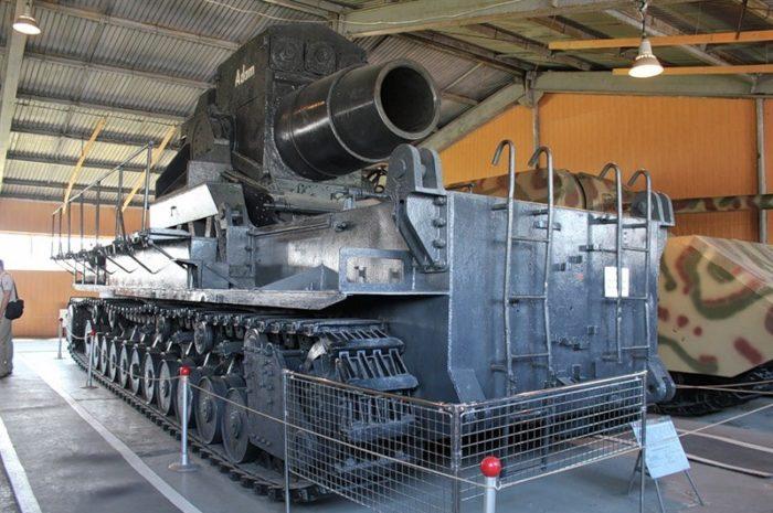 bronetankovyj-muzej-v-kubinke-700x465
