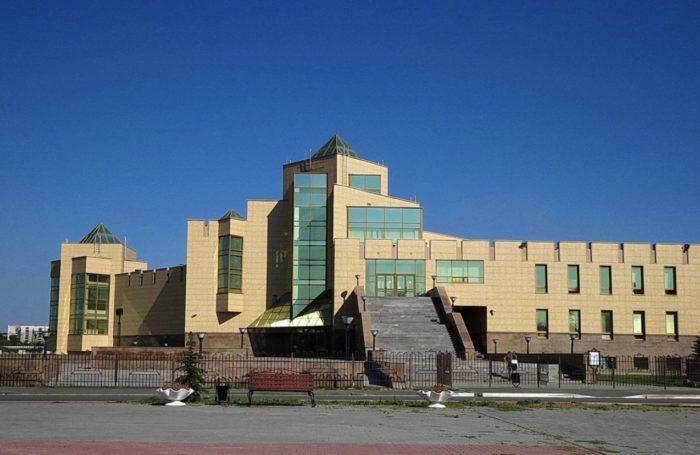 chelyabinskij-kraevedcheskij-muzej-700x455
