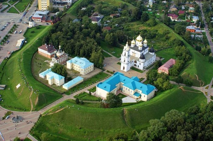 dmitrovskij-kreml-700x464