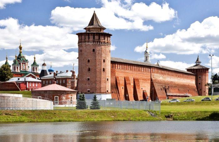 kolomenskij-kreml-700x455