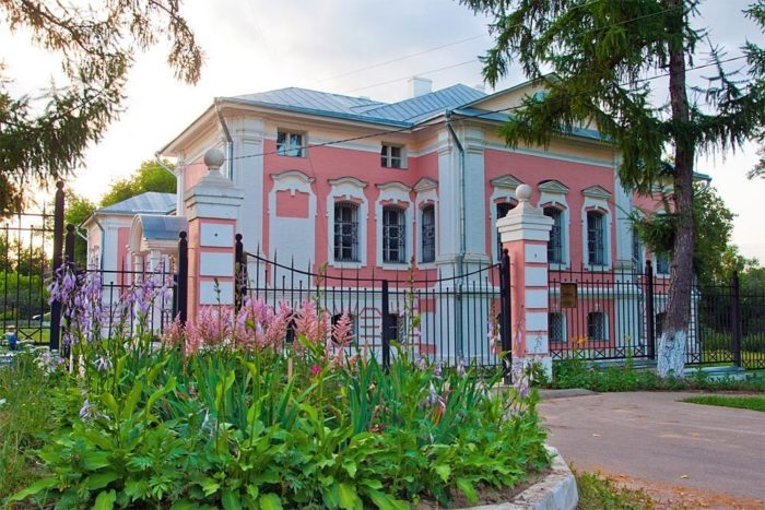 lopasnya-zachatevskoe-700x467