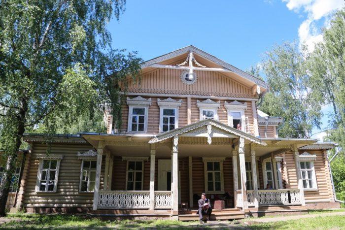 lyubimovka-700x467